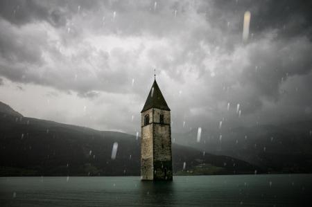 Titelbild kl _Das versunkene Dorf